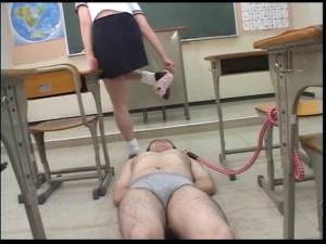 人間卒業式~女教師紀香の尻舐め汚物授業
