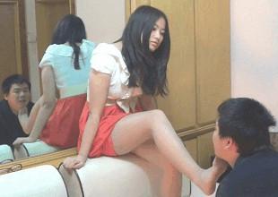 中国女王様のM男いじめ 脚舐め・足嗅ぎ・ビンタ・蹴り
