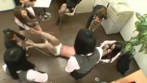SKYQUEEN☆AIRLINES~家畜人牧場へ出荷された男 flight1