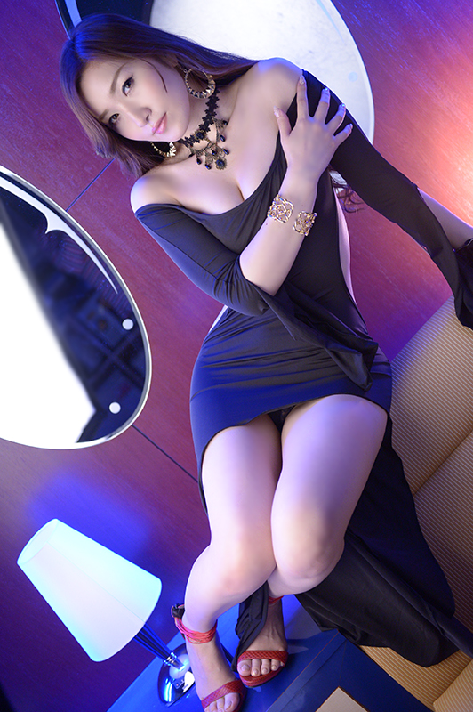 ユン(yun)  > 夏目レイコ - マニア東京