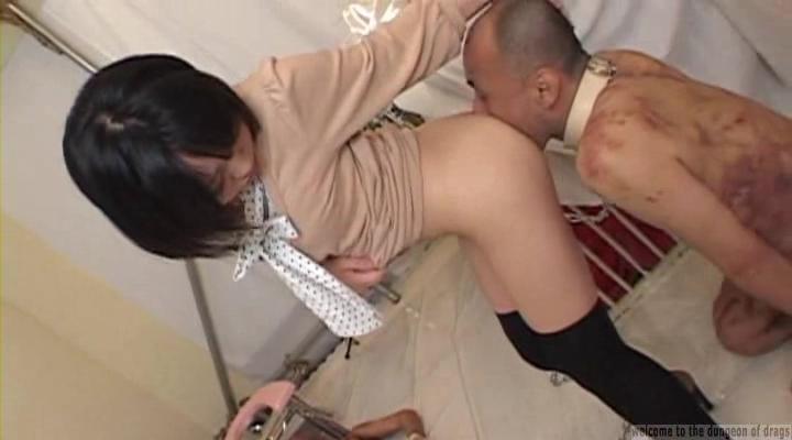 人間トイレットペーパー ウンコがついたアナルを舐めて掃除するM男まとめ
