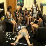 女性集団の人間便器拷問 FINAL 糞尿を無理やり口に押し込まれる