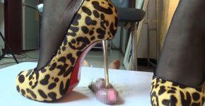 中国CBT 中国S女の尿道責め ハイヒールを尿道に突っ込まれる 靴コキ