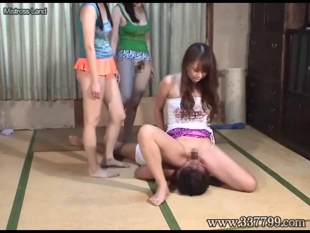 3姉妹の舐め犬黄金便器 甲斐ミハル 宮崎由麻 姫乃未来