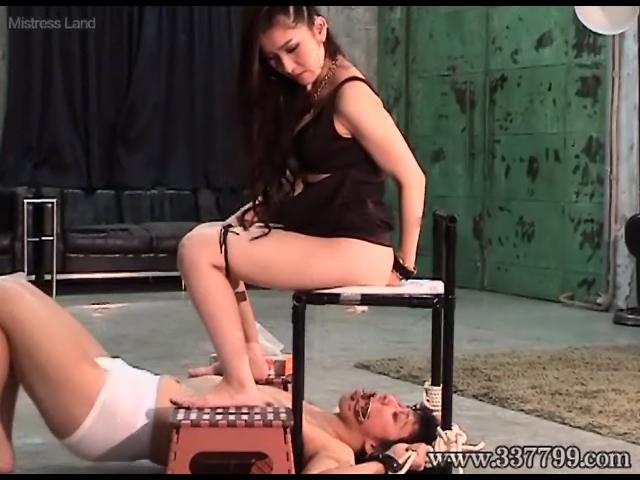 奴隷市場の拾い物 ユン