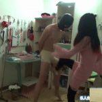 中国S女2人組の金蹴り責め・ペニス踏みつけ