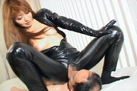 倖田李梨の汗ムレ&マン臭顔騎