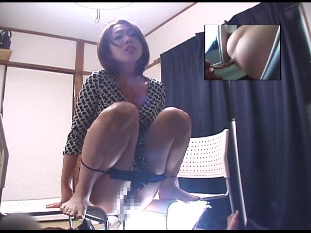 美人三姉妹・連続食糞制裁 UGD-08