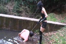 美人女性騎手 残虐!野外人間馬調教