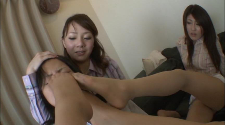 新人OL虐め!パンスト足責め女臭指導!! KKK-023