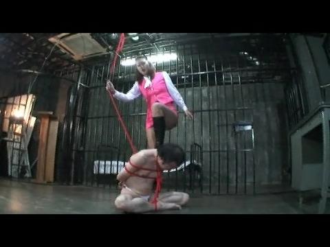 美人長身拷問官瑠璃華 地下牢の鞭・蹴り責め拷問 FKD-52