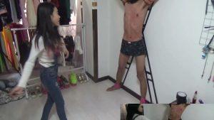 中国女子のM男鞭打ち遊び