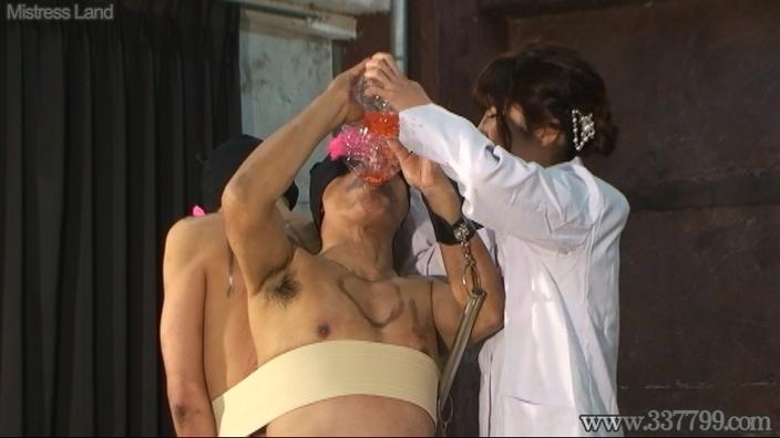先行配信動画:サド女研究者のマゾ男人体実験 1