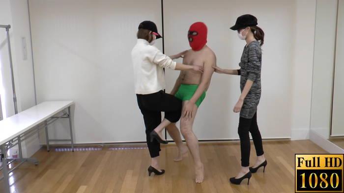 女子大生「キララ&レイラ」の金蹴り・玉責めまとめ 2