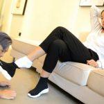 【中国美女】M男に靴舐め・靴下舐め・脚舐め強要