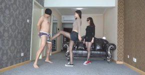 中国S女二人組の美脚金蹴り