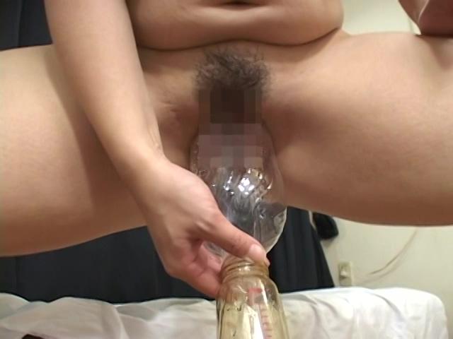 J-cup美女の放尿ナイアガラ 有森めぐみ