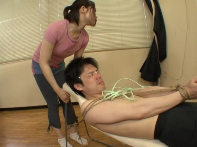 癒らし系お姉さんの肉感的お尻&脚責め 杏子ゆう