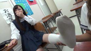 制服JKの履きッパ!着ッパ!穿きッパ!の激クッサ!三大刺激臭!!!