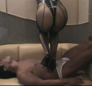 女王様による性器踏み遊び @ハイヒール責め・チンポ踏み