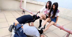 中国女子校生2人組が野外でM男調教