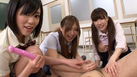 JK三人組にアナルとチンポを犯される!! 琥珀うた 小日向ゆうこ 武井麻希 02