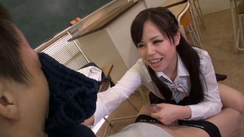 罵倒手コキ クラスの女子に変態行為がバレて罵倒されまくる! 飯田せいこ 04