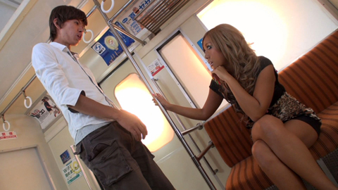 罵倒手コキ 「なにパンツ見てんだよ!」電車で黒ギャルに痛罵罵倒! 瑠菜 02
