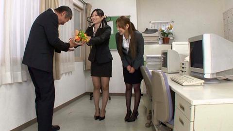退職祝でOL二人のアナル責めにあうM男 前田陽菜 佐月麻央 01