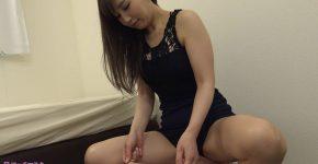佐々木あきさんが変態M男を足責め射精!