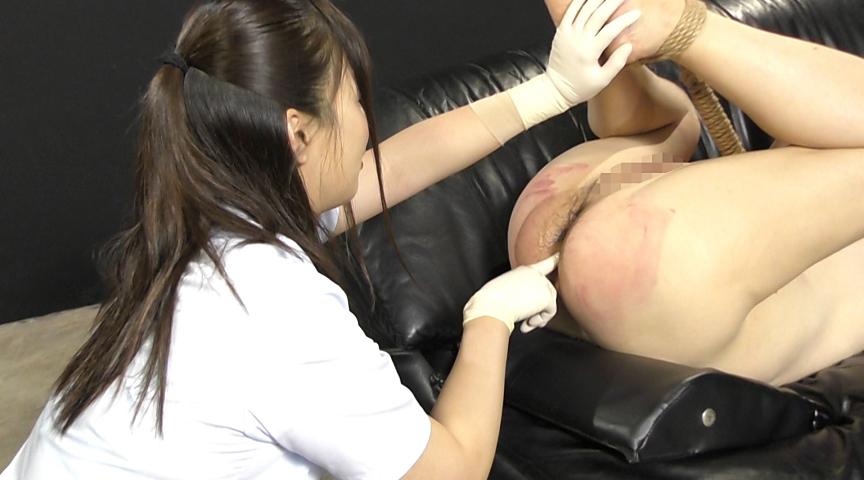 強制飲尿M男虐待 M男、パイパンの刑! 画像 17