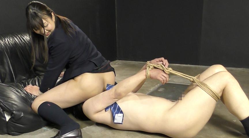 強制飲尿M男虐待 M男、パイパンの刑! 画像 08