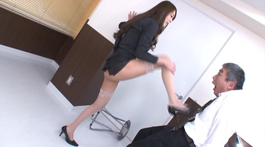 朝桐光刑事のM男強制飲尿聴取 06