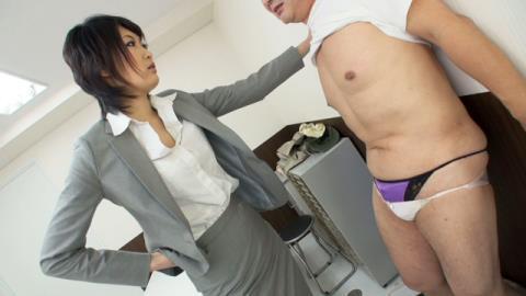 小宮杏里刑事のM男強制事情聴取 01
