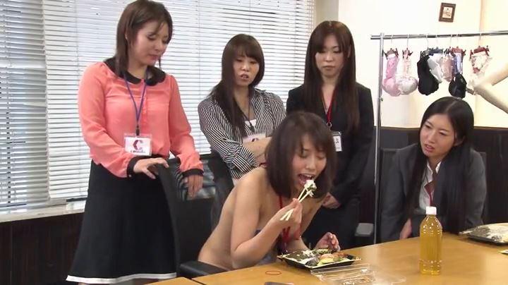 つば弁当 女性同士の食事いじめ 13