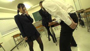 放課後〜金蹴り教室 2 金蹴り好きな女教師&JK達!!