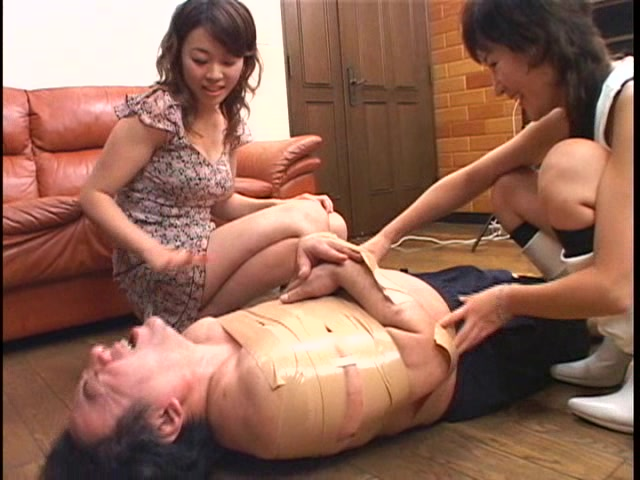 社内体罰、身長優位なS嬢王 W調教 ミュウ 門倉麻美 画像 08