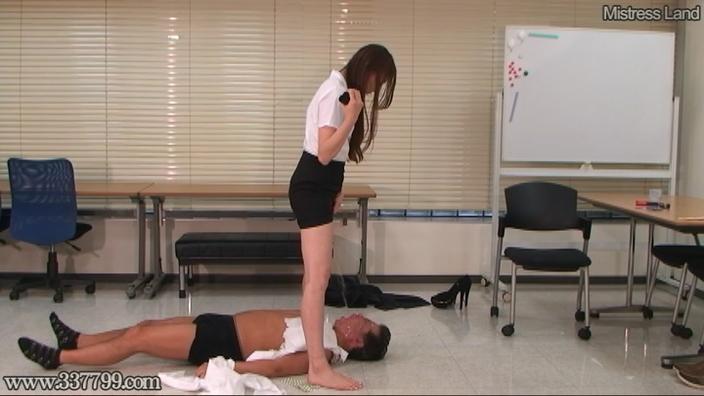 脚線美OLに支配されていく足フェチマゾ男 Risa 2-2 画像 01