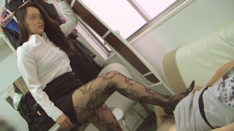 一之瀬杏奈 / 金蹴り・電気アンマ・玉潰し 画像 03