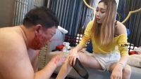 ハイヒールでM男の顔面をマジ蹴りする台湾女王様 画像 05
