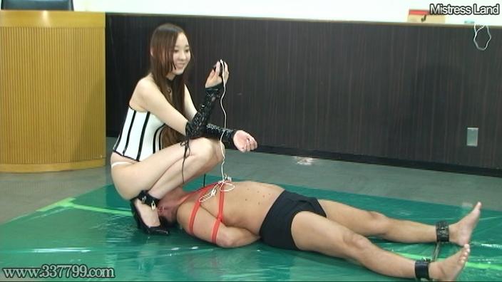 脚線美OLに支配されていく足フェチマゾ男 Risa 画像 14
