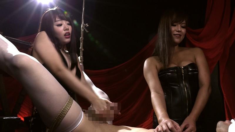 屈辱ケモノ拘束で乳首と肛門を弄ばれて 二人のドS姉さんに精子絞り出される男 画像 10