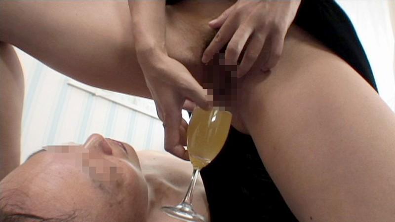 人間便器 小便編 聖水陀仏 聖水と汚水を胃が破裂するほど飲む!