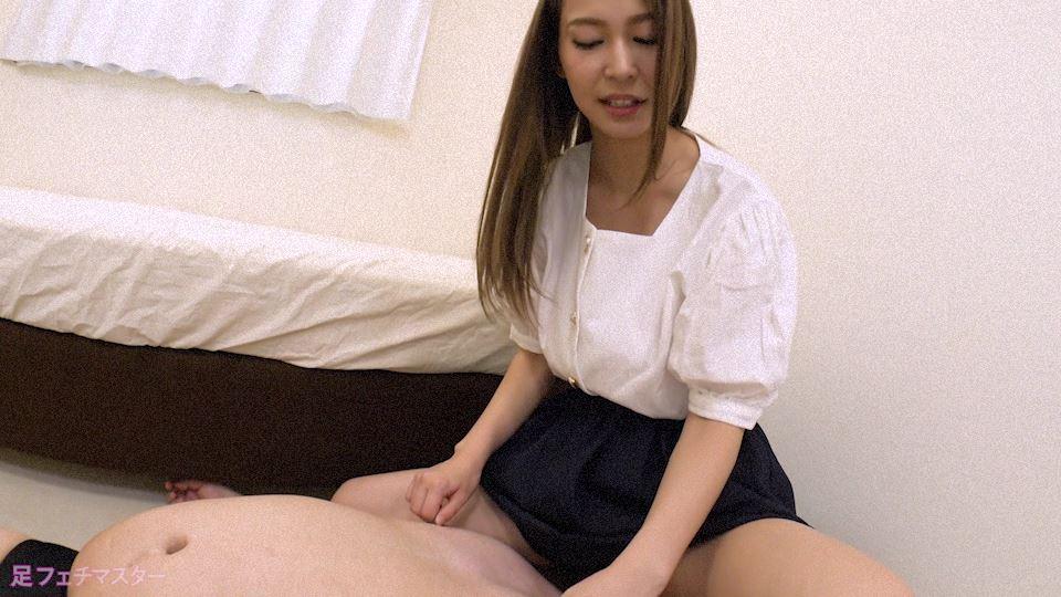 河北麻衣ちゃんが変態M男を足責め射精! 画像 07