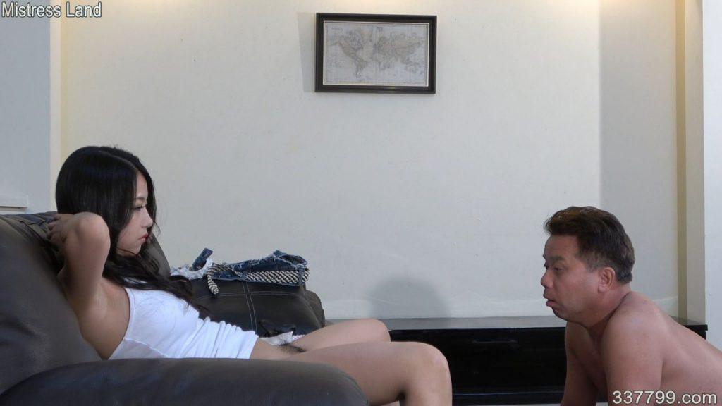 先行配信動画:生涯を愛するミストレスに捧げた男 3