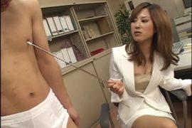 美人女教師 体罰指導