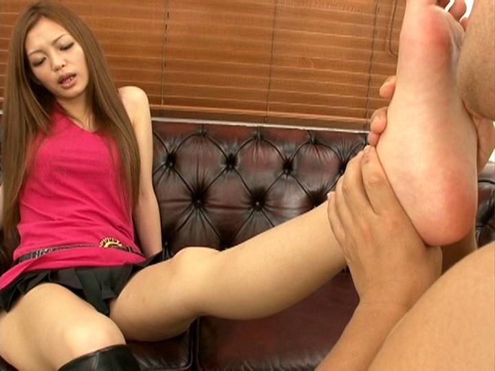 長身モデル澄川ロアの美脚コキ