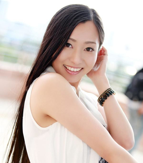 東尾真子 (ひがしおまこ)