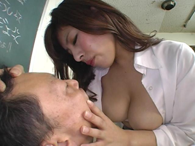 爆乳オンナとマゾ男 藤崎クロエ