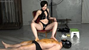 雄奴隷2匹と雌奴隷1匹と便器専用黄金奴隷の躾け折檻部屋 3